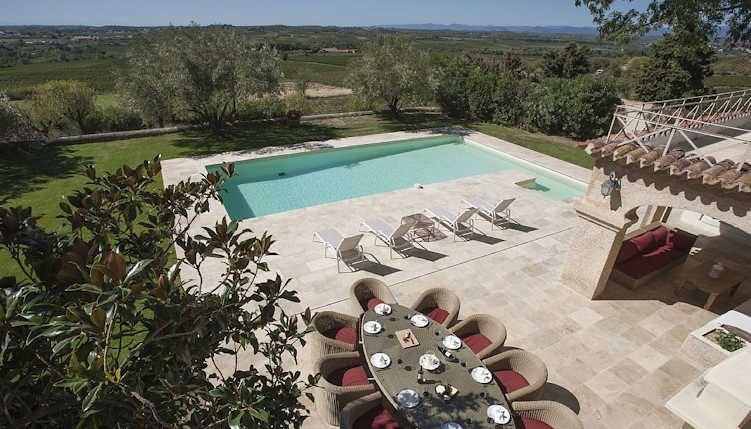 Luxury villa South France with private pool sleeps 10, vacation rental in Lezignan-la-Cebe