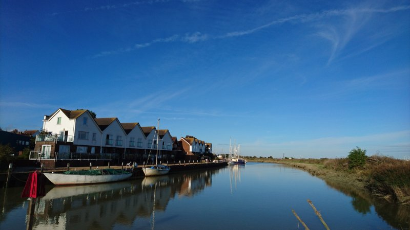 Boathouse,Rye-Apt11. Riverside apartment with balcony in peaceful location, holiday rental in Rye
