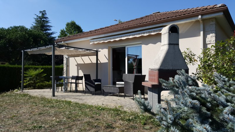 GRANDE MAISON MODERNE, holiday rental in Feytiat