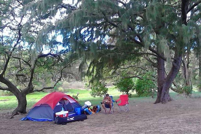 Acampamento no Waianapanapa State Park em Hana