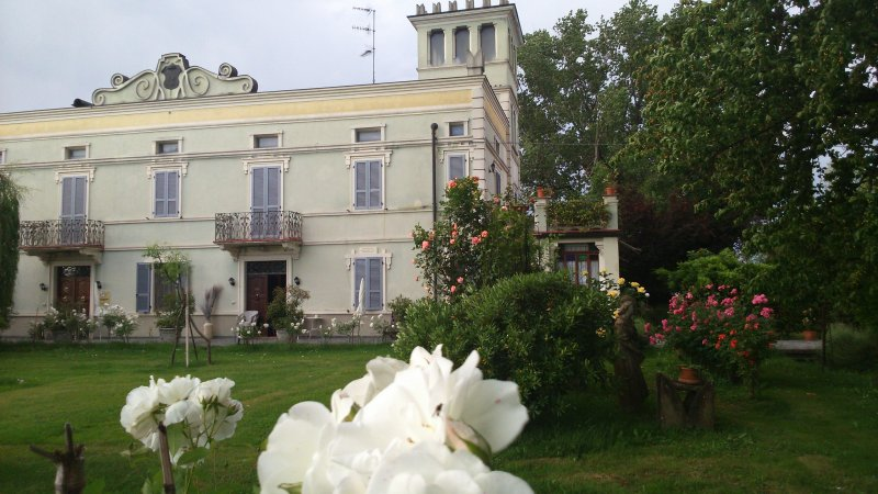 BB Villa Albertina - Camera Ardesia, alquiler vacacional en Parola