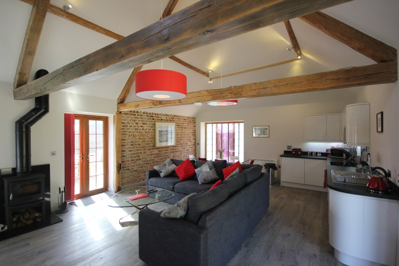 Flintstone Cottages  The Barn Can Sleep An Additional 2 Guests, vacation rental in Chichester