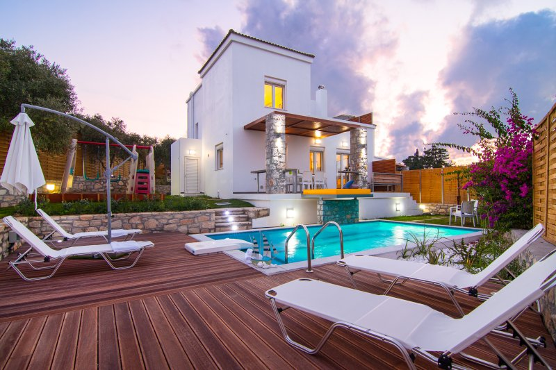 Villa Mikhail - Indoor Jacuzzi - Swimming pool & Playground, vacation rental in Rethymnon