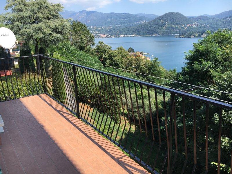 Luckylake - Orta lake view apartment, vacation rental in Scopa