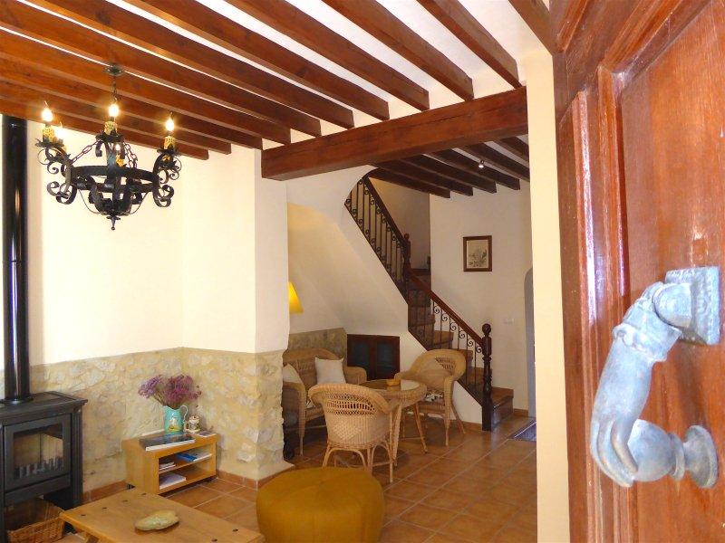 Casa Rural La Font, casa de Pueblo en Aigues, Alicante, alquiler de vacaciones en Busot