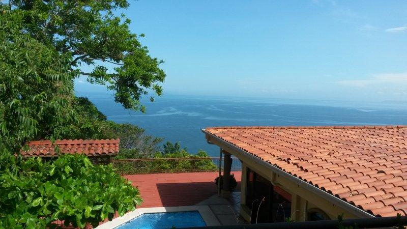 Punta leona, 3 bedroom ocean view home., location de vacances à Punta Leona