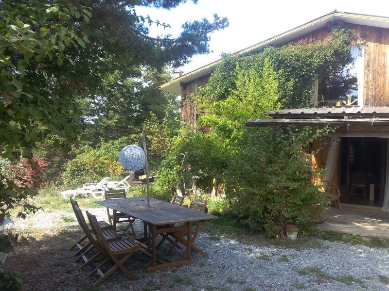 Belle Maison en Bois proche du verdon, holiday rental in La Foux