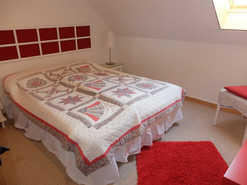 Frans dubbele west boven. Bed = 1m40 x 1m90.