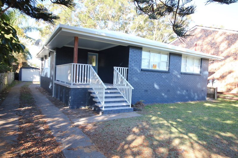 OFF THE WALL- 6 Coral St NH, holiday rental in Camden Haven