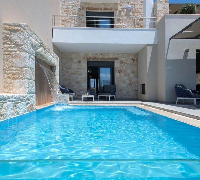 Villa Nova - privé zwembad met waterval