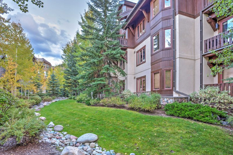Spend your Rocky Mountain retreat at this 2-bedroom, 2-bath vacation rental condo in Edwards, Colorado!