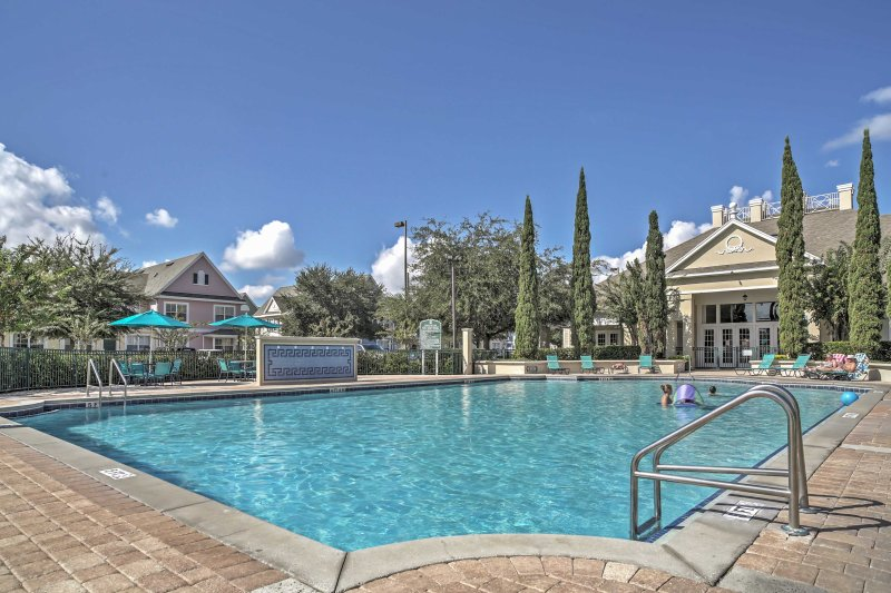 Indulge in a splendid Florida escape with this tremendous Kissimmee vacation rental villa!