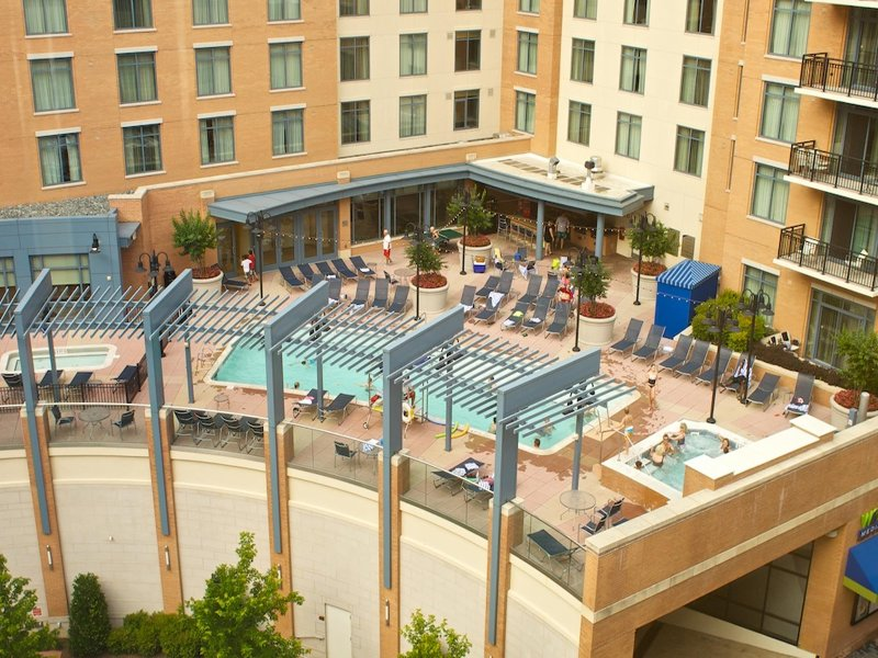 Luxurious 3 Bed wyndham National Harbor, 2 pools & more, holiday rental in Waldorf