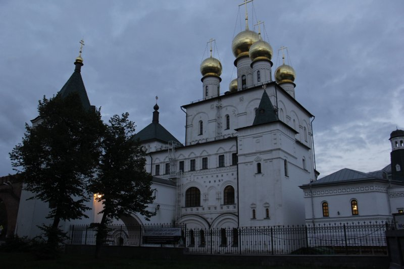 Fedorovsky Cathedral, 5 minutes on foot