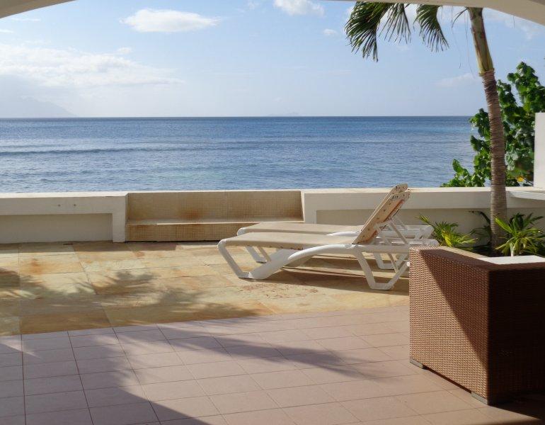 Ocean View Villa - Beau Vallon beach, location de vacances à Mare Anglaise