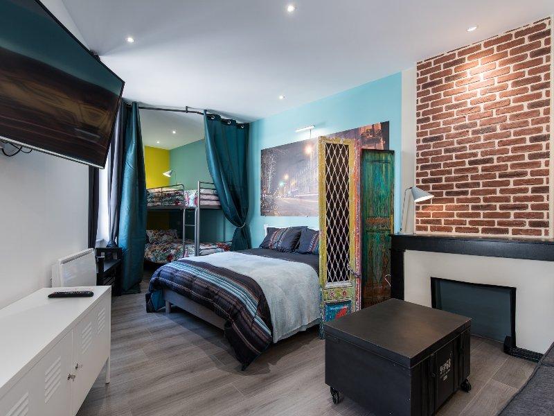 Appartement Gutenberg - Saint Etienne City Room, holiday rental in Aurec-sur-Loire