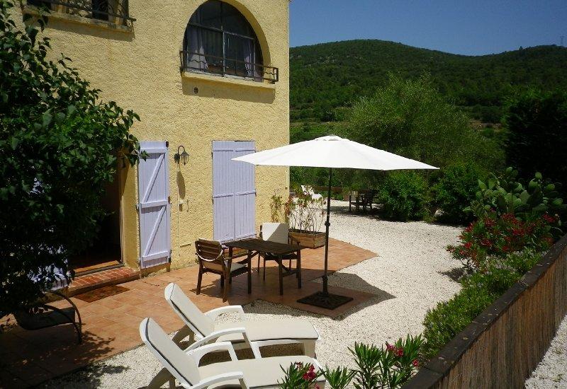 Petit gite au calme. Cosy gite in countryside Var. - VillaTourterelles -, holiday rental in Cabasse