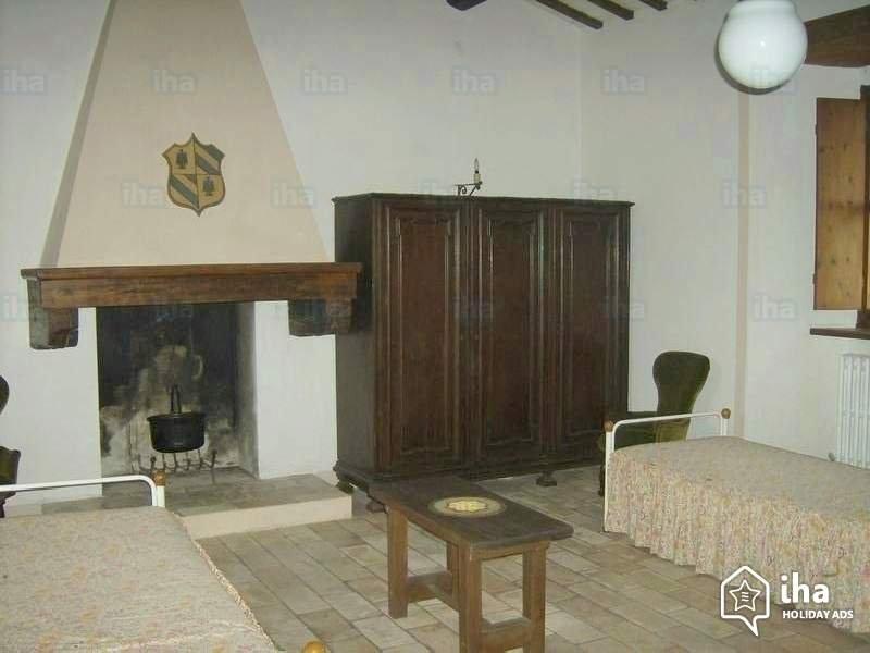 mini apt. 2 singoli 1 letto estraibile, holiday rental in Urbino