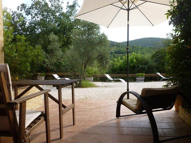 Studio au calme Studio with lovely view Centre Var. -VillaTourterelles-, holiday rental in Cabasse