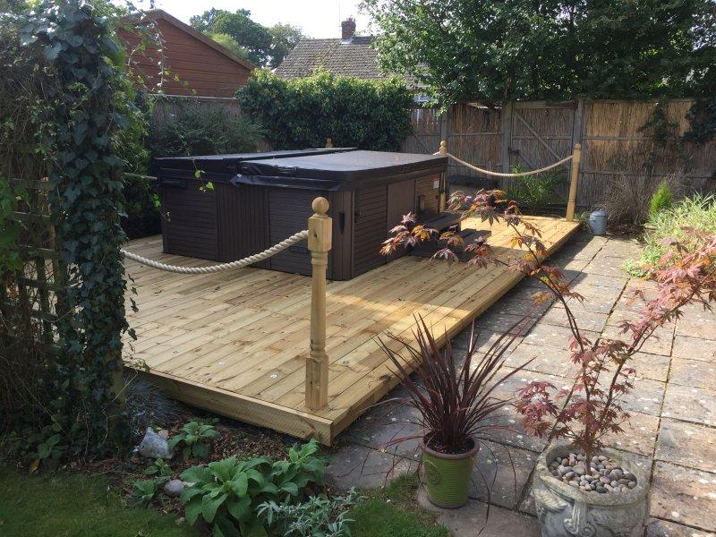 Nueva bañera de hidromasaje y terraza