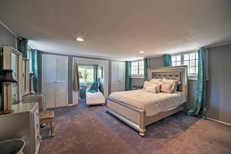 The Master Bedroom boats 400 square feet of wonderful space!