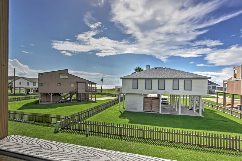 Provate il ritiro spiaggia della tua vita a questa straordinaria residenza cittadina in affitto a Galveston!
