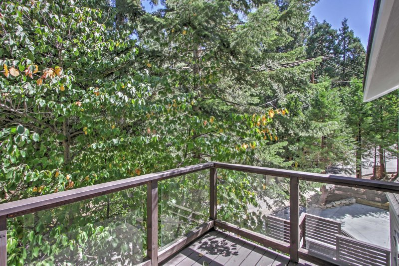 Leave your worries behind and escape to this Lake Arrowhead vacation rental!