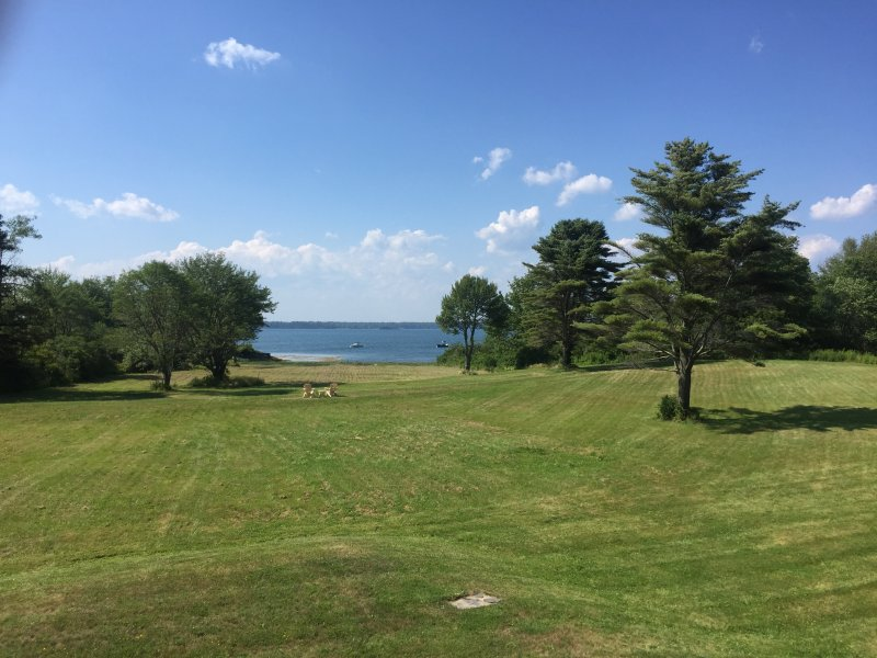 Oceanfront Cottage on Middle Bay, holiday rental in Yarmouth