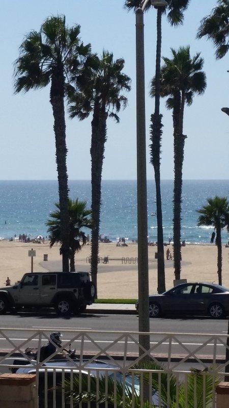 Huntington Beach, CA  Oceanview and Pierview Condo, holiday rental in Huntington Beach