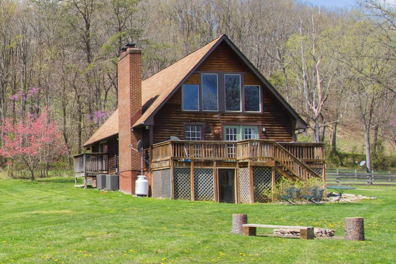 Heaven On Earth On The Shenandoah River, holiday rental in Luray