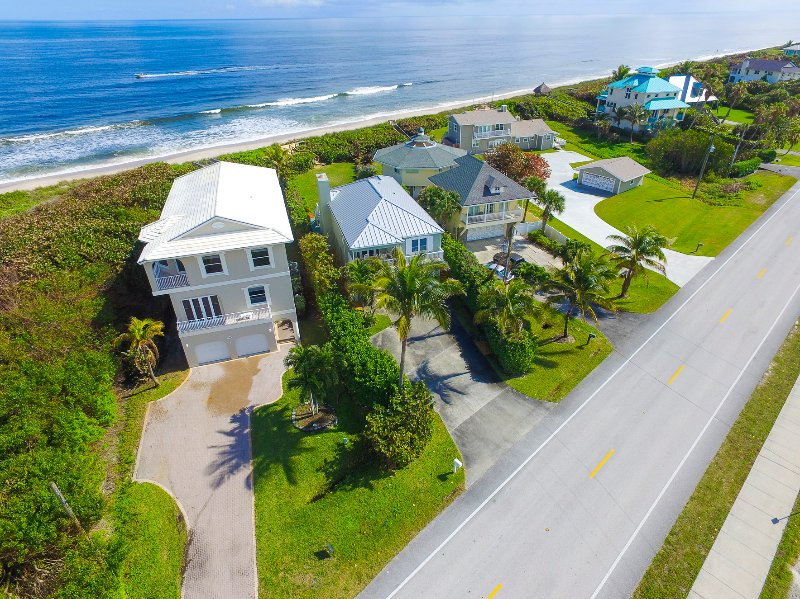 Luchtfoto van de strikt woningen, eengezinswoningen strand woningen