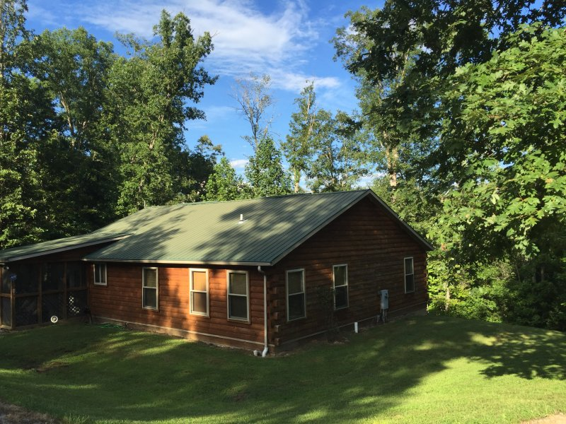 Quiet and Peaceful - A Cabin in the Woods, holiday rental in Fall Rock