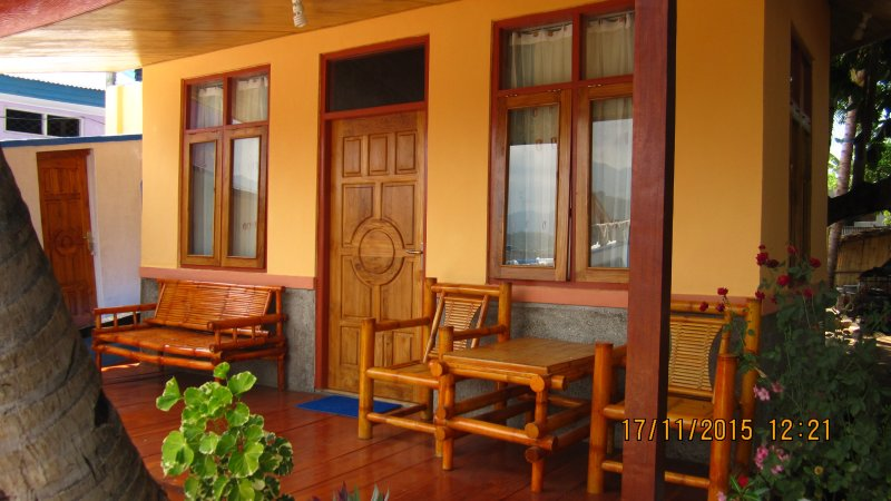Beach Front Bungalow, holiday rental in Flores