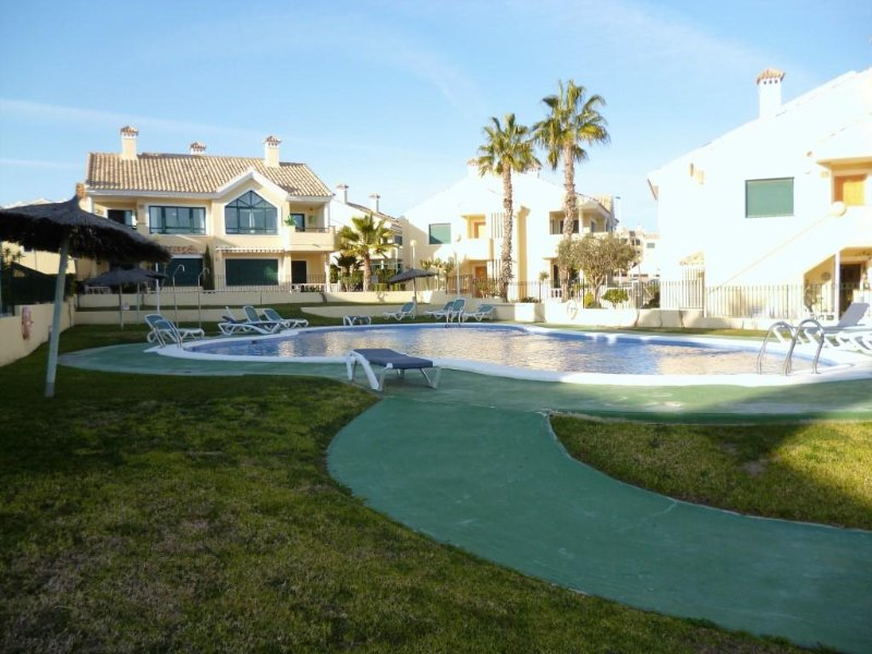 2 Bed House / Air Con / Wi-Fi / Campoamor Golf, casa vacanza a Dehesa de Campoamor