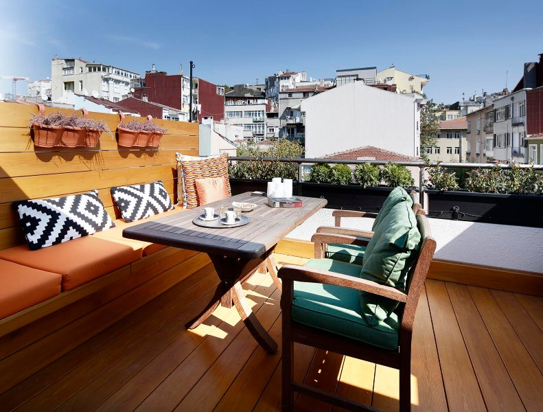 Azure Penthouse - Cihangir/Beyoglu, holiday rental in Istanbul