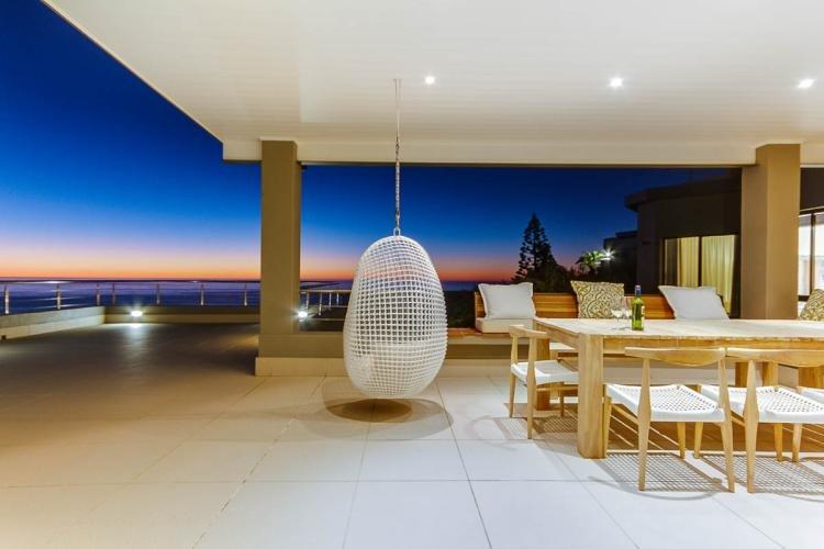 Tranquil Luxury 5 Bed Llandudno Seaview Villa, vacation rental in Llandudno