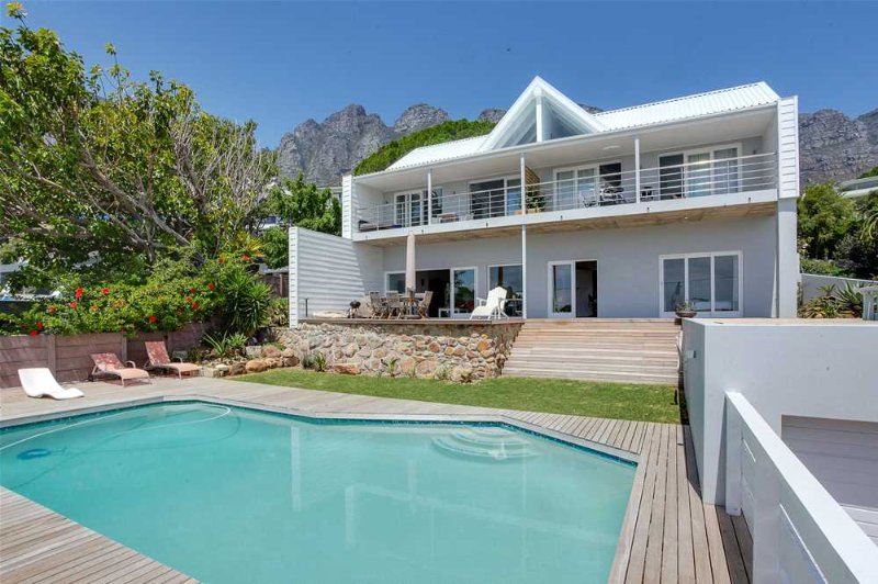 Fulham Delight - Apt With Amazing Sea Views, vacation rental in Bakoven