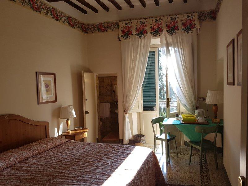 Dimora Del Grifo  Camera Avana bagno pvt wc lavabo, vacation rental in Molino d'Egola