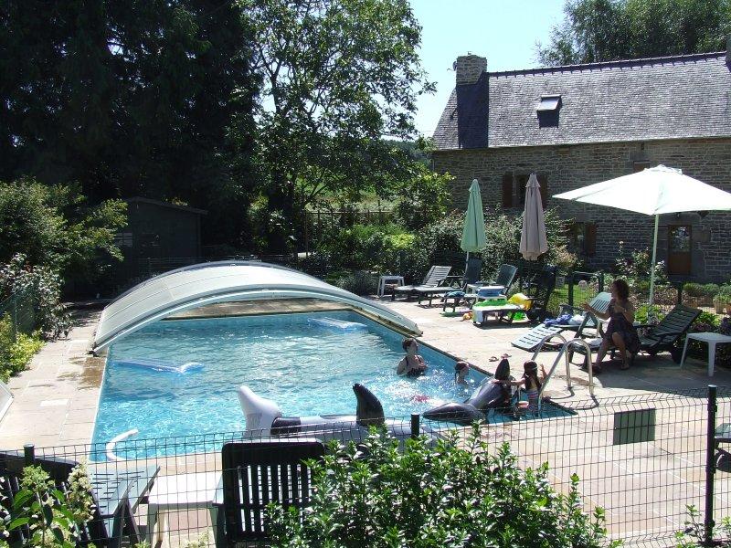 Riscaldata, coperto, recintato per tutte le stagioni piscina