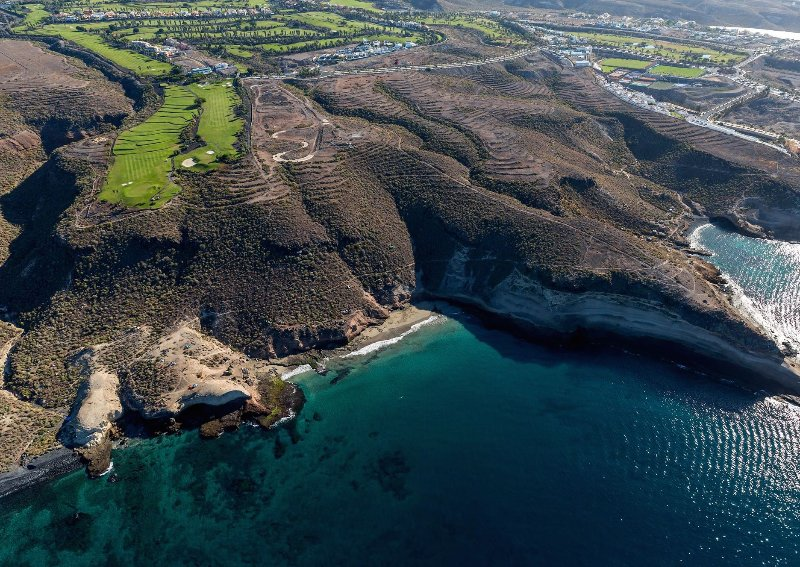 Tenerife. terrain de golf et de la plage.