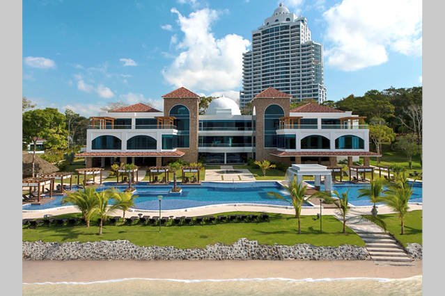 Luxury Apartment in Playa Bonita, 10 minutes from Panama City, location de vacances à Province de Panama