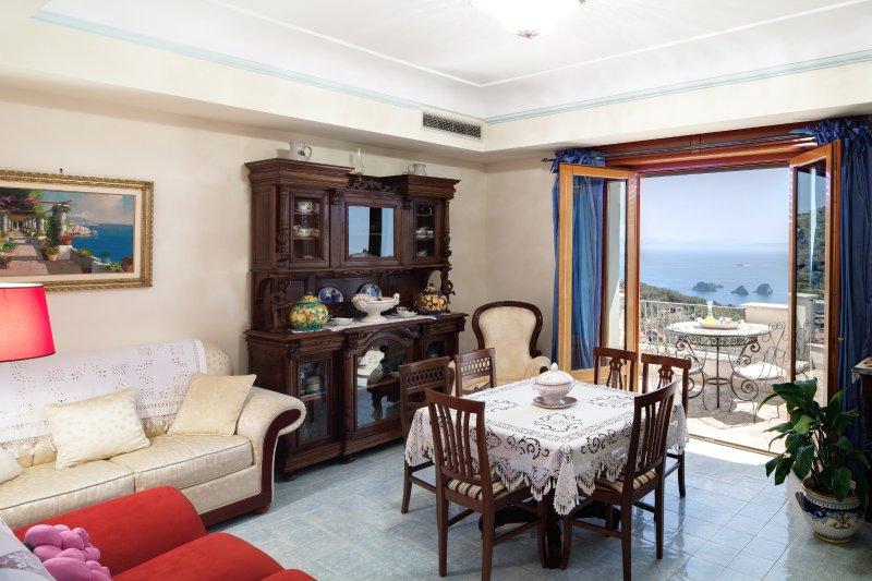 Apartment Ocean - in Sorrento coast, with sea view, Ferienwohnung in Sant'Agata sui Due Golfi