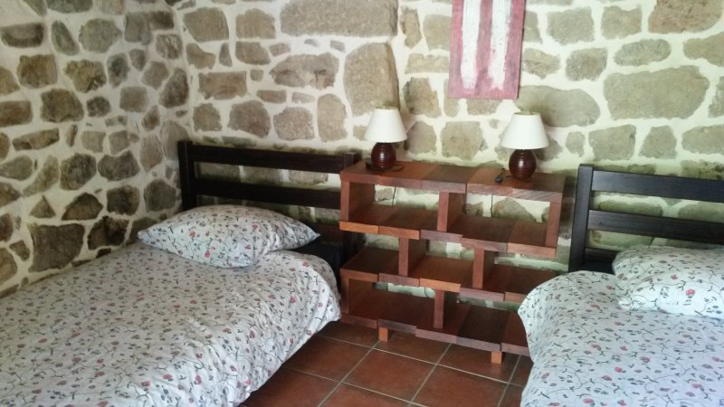 6 room Lovely room with 2 beds 90