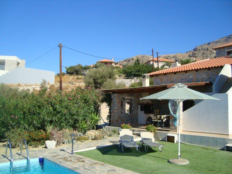 view villa garden side