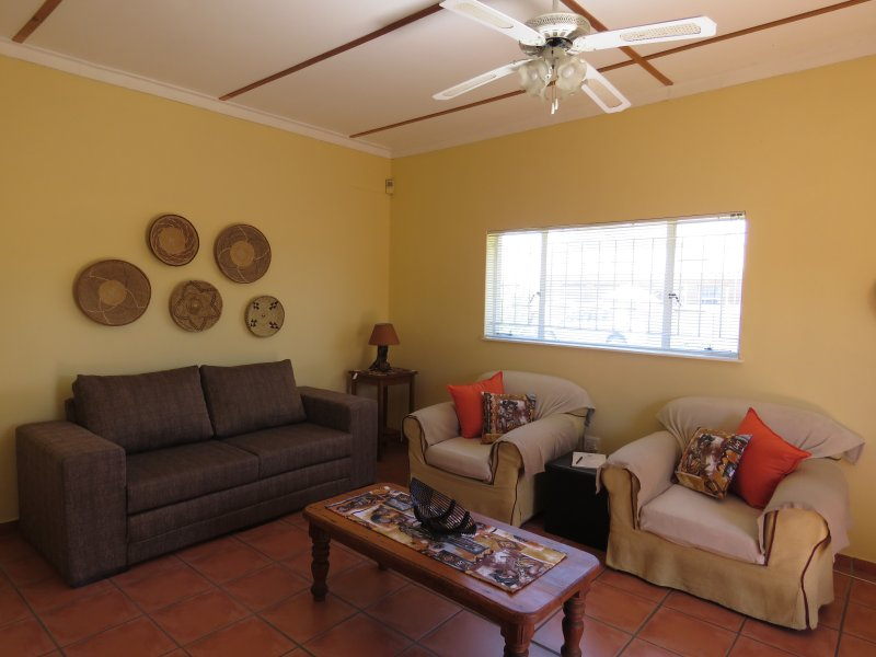 11GnuStraat - ideal for short or long city breaks, holiday rental in Khomas Region