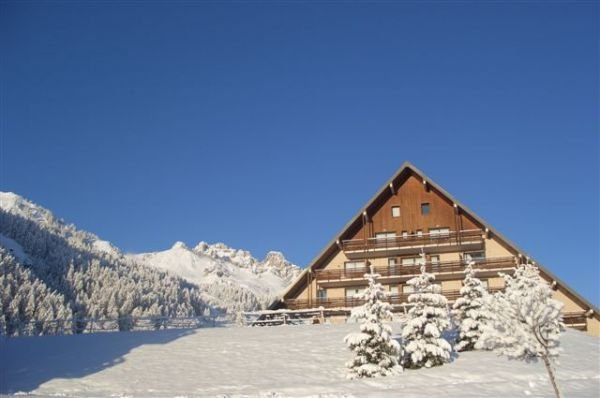 The Chabrières building 150 meters from the slopes