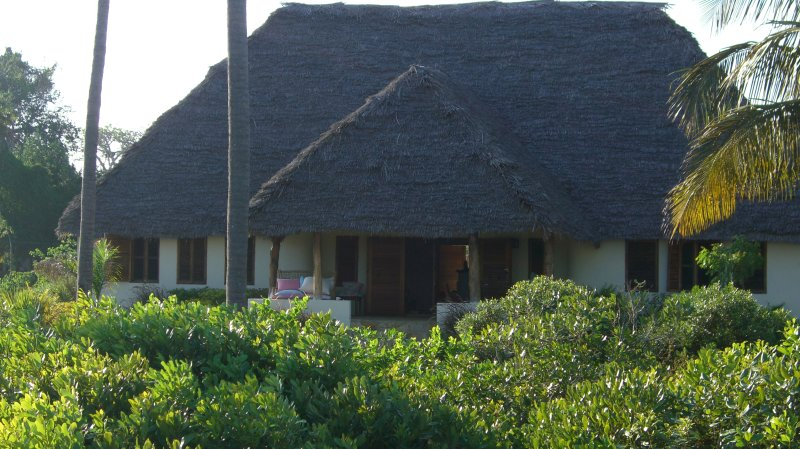 Beach Villa on a 2 acre private property, vacation rental in Pangani