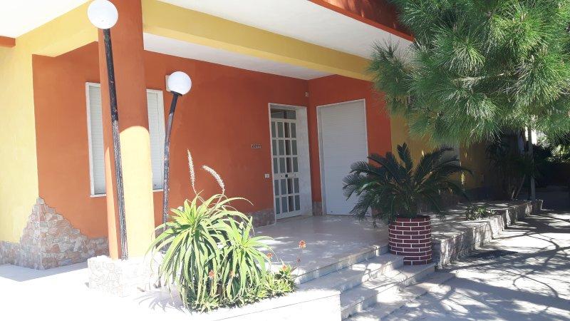 Casa Vacanze vicino allaeroporto di Trapani e mare, vacation rental in Petrosino