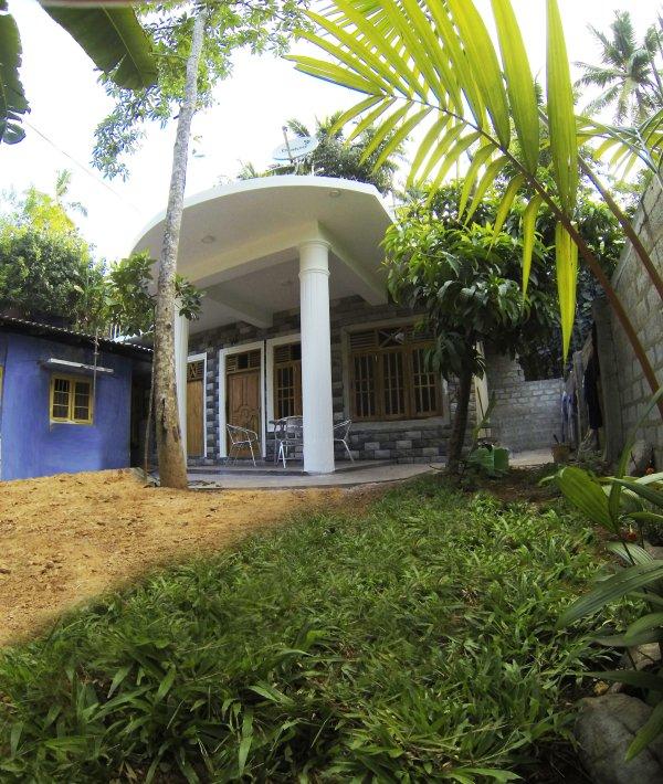 SeaDream HS disponibili in una casa locale per un viaggio experience.15m autenthic a Kumbalgama Spiaggia / onda!