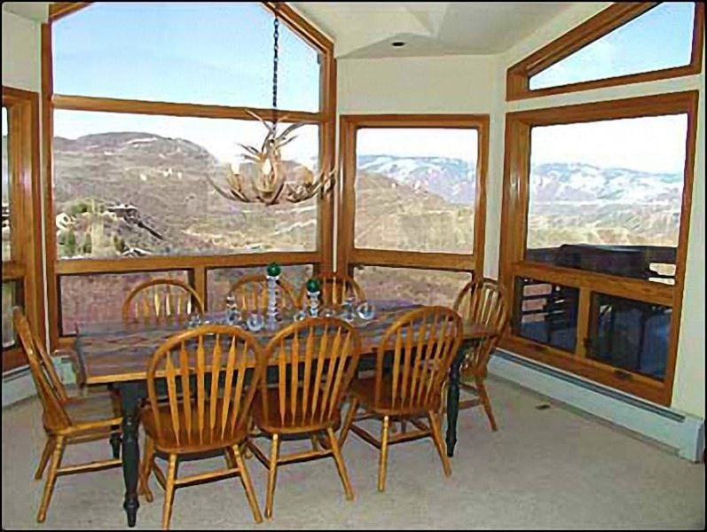 Dining area for 8 with views